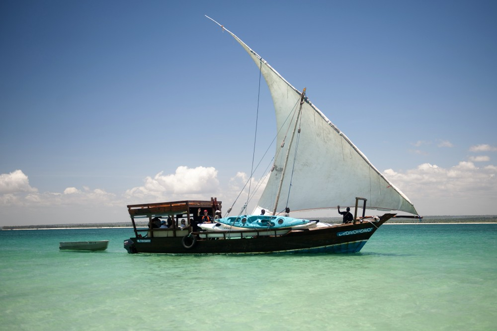 Dhow and Kayak safari full load.jpg