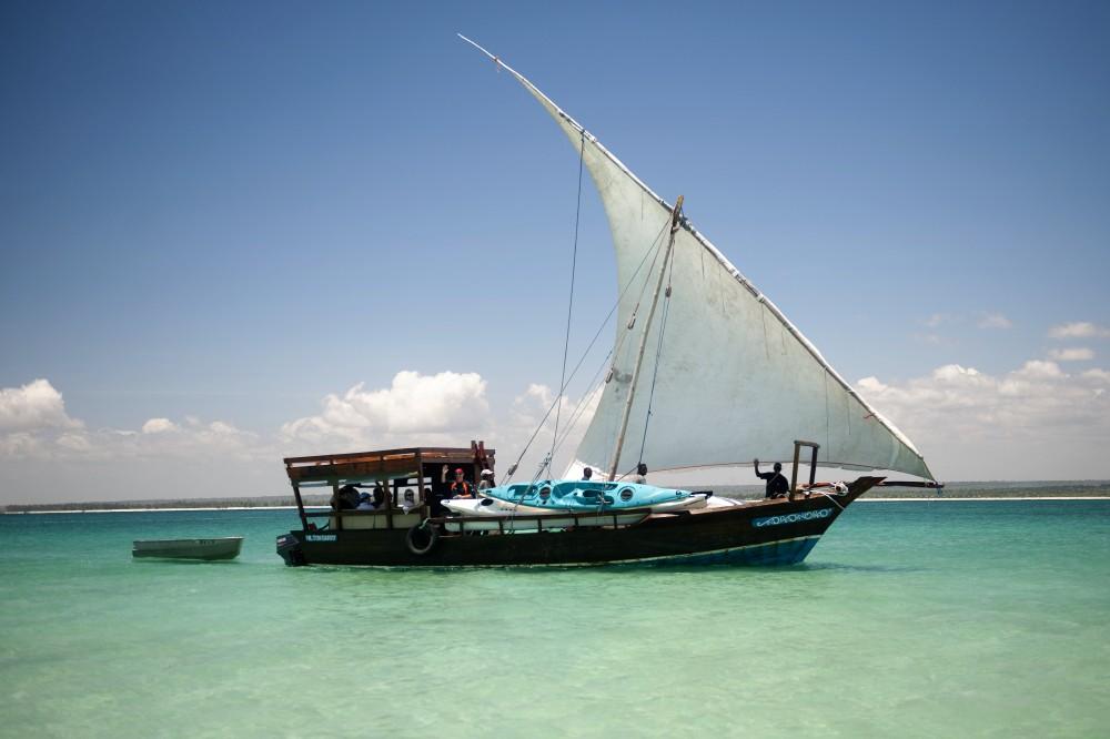 Dhow and Kayak safari full load.jpg