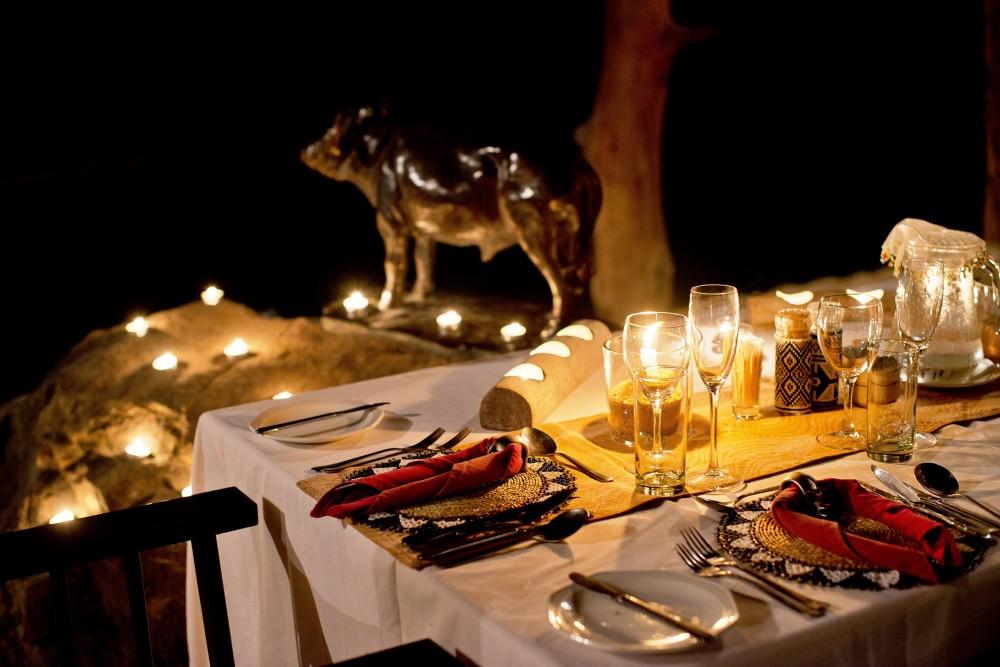 Inyati-dinner.jpg