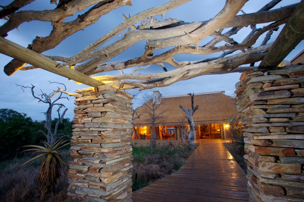 kapama-river-lodge-kapama-river-lodge-entrance-47