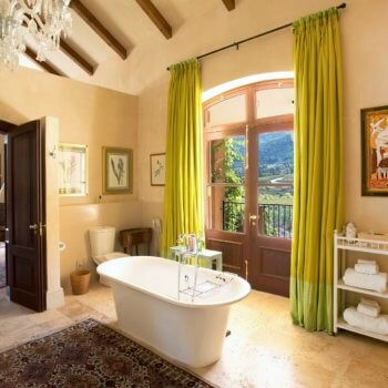 bathroom4-room-luxury-hotel-franschhoek-350x350-1