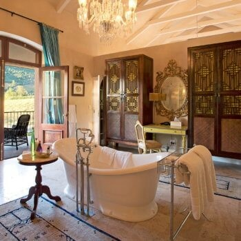 bathroom6-room-luxury-hotel-franschhoek-western-cape-350x350