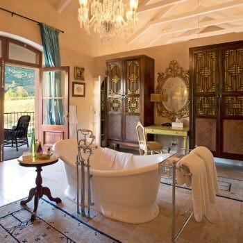 bathroom6-room-luxury-hotel-franschhoek-western-cape-350x350