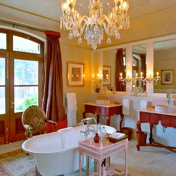 bathroom7-bedroom-luxury-franschhoek-accommodation-350x350