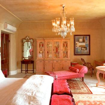 bedroom7-bedroom-luxury-franschhoek-accommodation-350x350