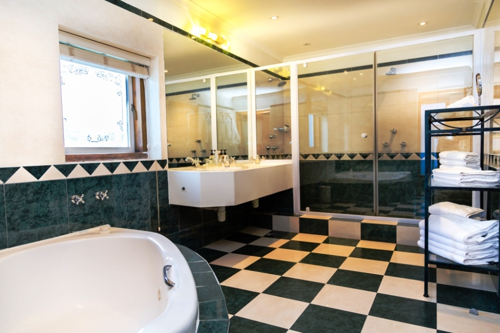 garden-suite-bathroom