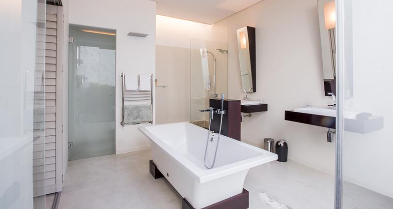 room7-bath