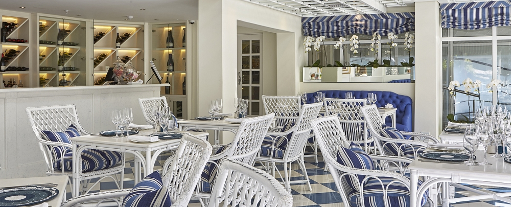 a12_cafegrill_002_1400x568