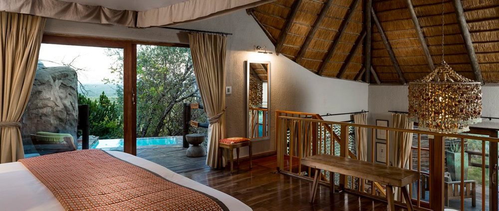 01-ulusaba-rock-lodge-master-suite.jpg