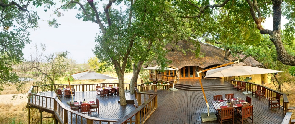 09-ulusaba-safari-lodge-deck.jpg