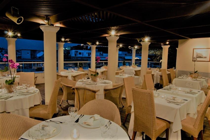 Restaurant Floor.jpg