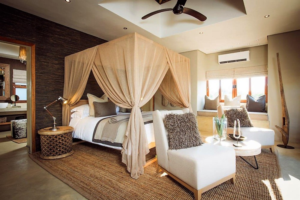 Bush-Lodge-Luxury-Villa-Bedroom.jpg