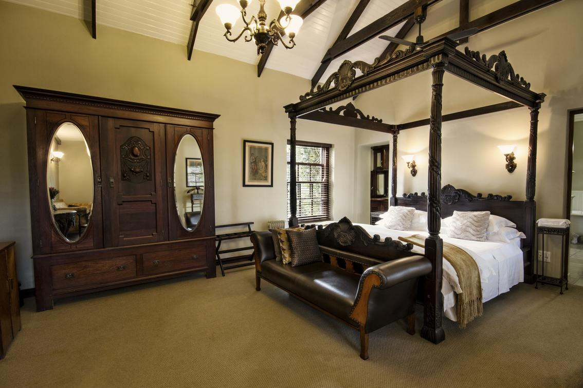 Honeymoon_Suite_Schoone_Oordt_Country_Hotel_Swellendam