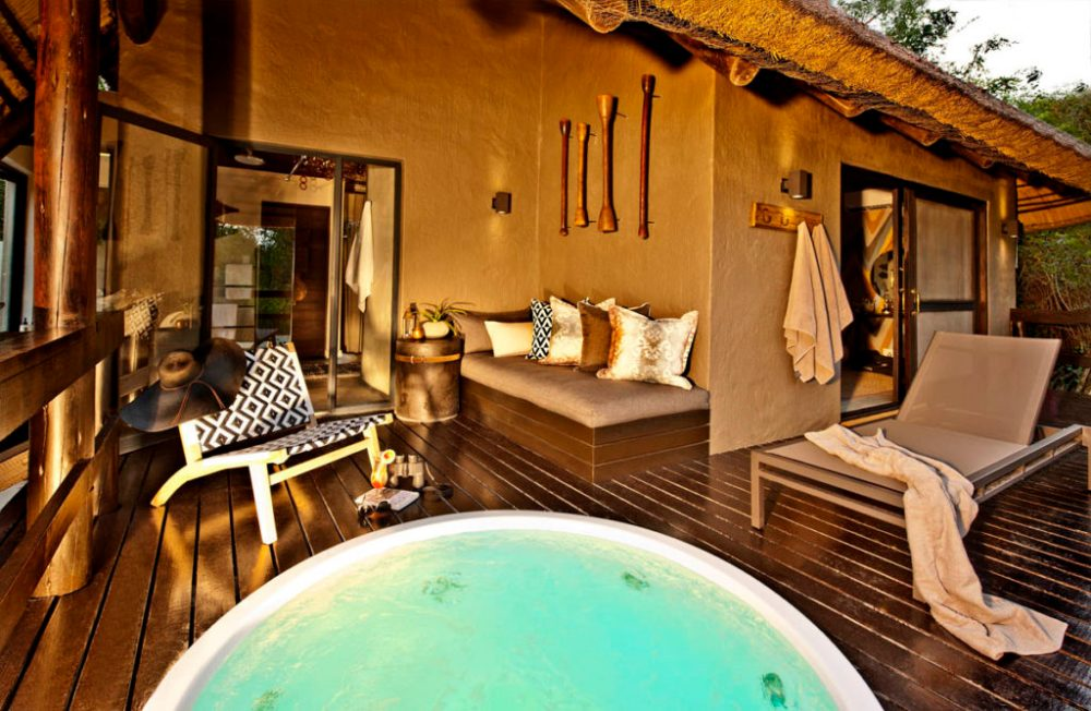 Little-Bush-Camp-Private-Deck-and-Jacuzzi-1200px-1024x668
