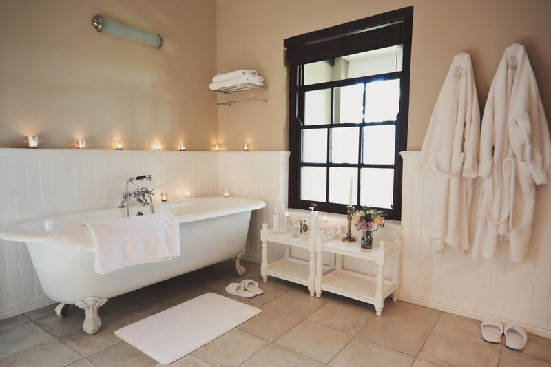 Luxury_Bathroom_Honeymoon_Suite_Schoone_Oordt_Country_Hotel