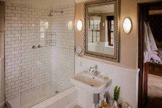 refurbed_bathroom_family_cottage_schoone_oordt_swellendam