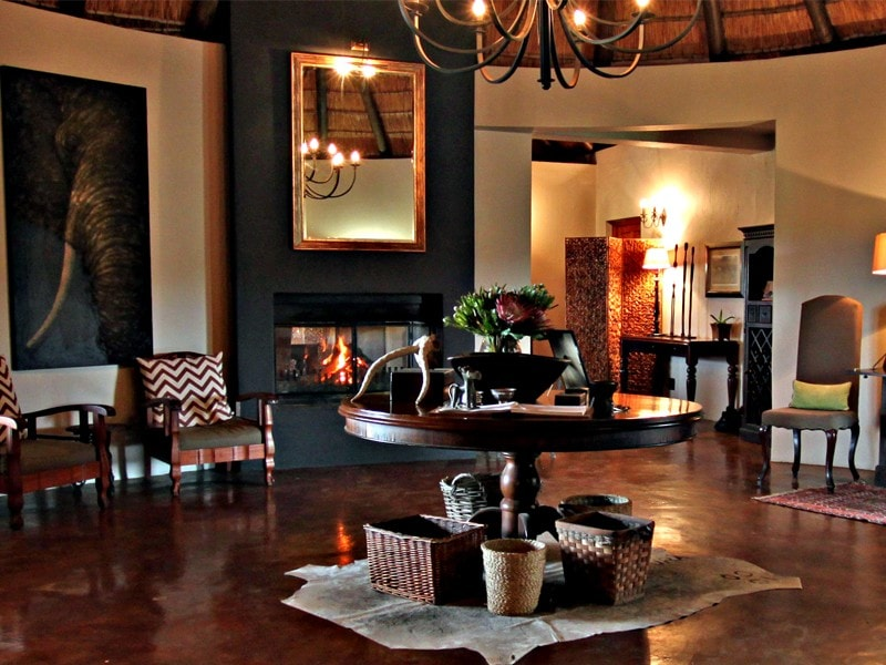 Addo_Eastern_cape_safari_accommodation_hlosi_game_lodge_guest_entrance-min.jpeg