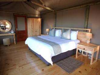 Amakhala_Eastern_Cape_safari_accommodation_Bukela_Luxury_Tent_Bedroom