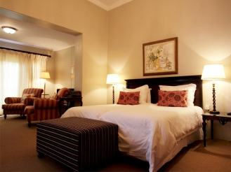 Amakhala_Game_Lodge_Leeuwenbosch_Country_House_Country_House_Suite_Room_Regular-min - Copy