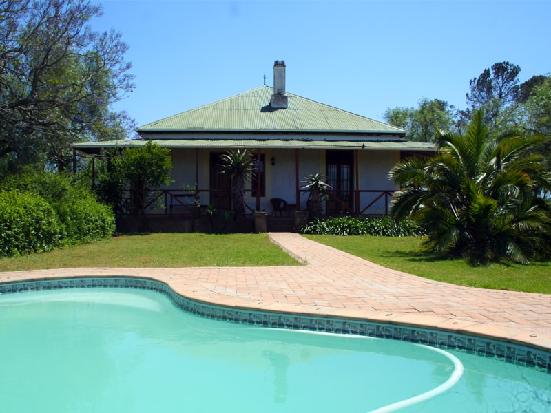 Amakhala_Game_Reserve_Carnarvon_Dale_Lodge_Main_House-min.jpeg