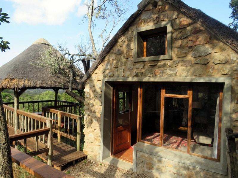 Amakhala_Game_reserve_Woodbury_Lodge_accommodation_entrance-min