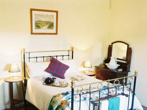 Eastern_Cape_Safari_greater_Addo_accommodation_Amakhala_Game_reserve_Carnarvon_Dale_Room-min