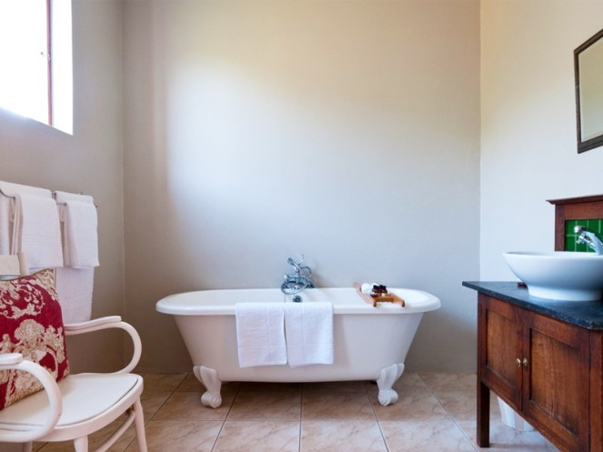 Eastern_Cape_Safari_Greater_Addo_Amakhala_Leeuwenbosch_Country_House_Bathroom_L