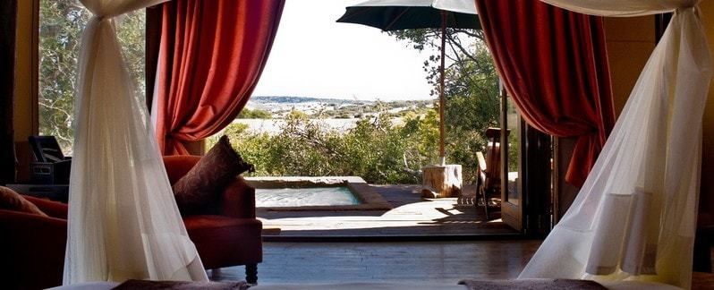 Header Eastern_Cape_Safari_Accommodation_Amakhala_Game_reserve_Bush_Lodge_Interior-min.jpeg