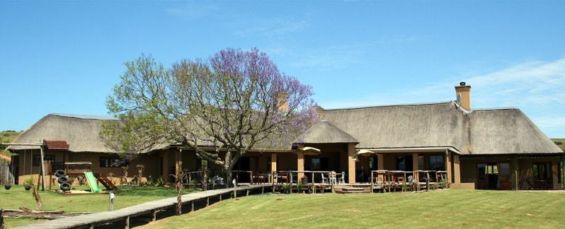 Header Hlosi_Game_Lodge_Lodge_Exterior-min.jpeg