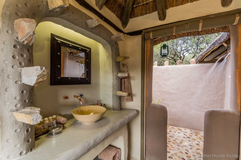 Safari_Lodge_Amakhala_Game_Reserve_Bathroom