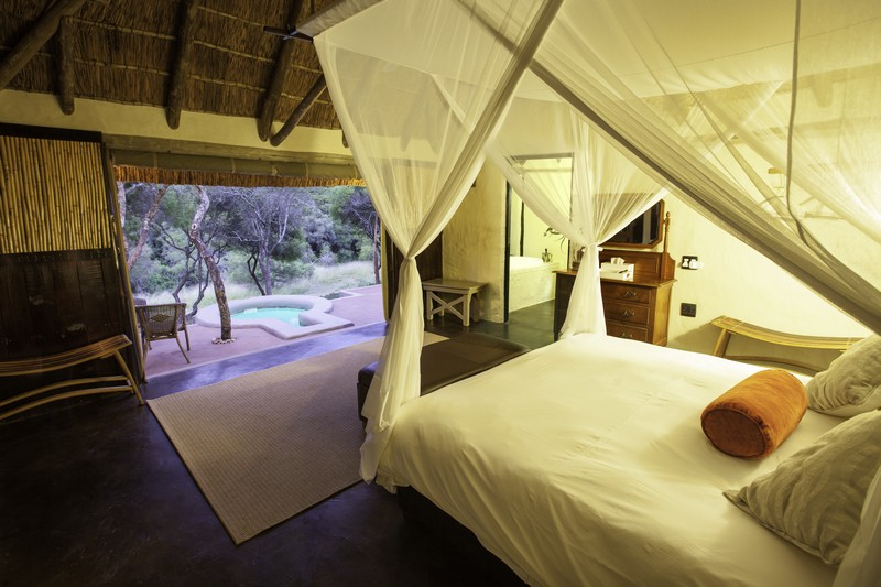 Safari_Lodge_Amakhala_Game_Reserve_Bedroom