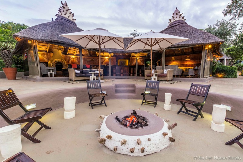 Safari_Lodge_Amakhala_Game_Reserve_Lounge_Fire