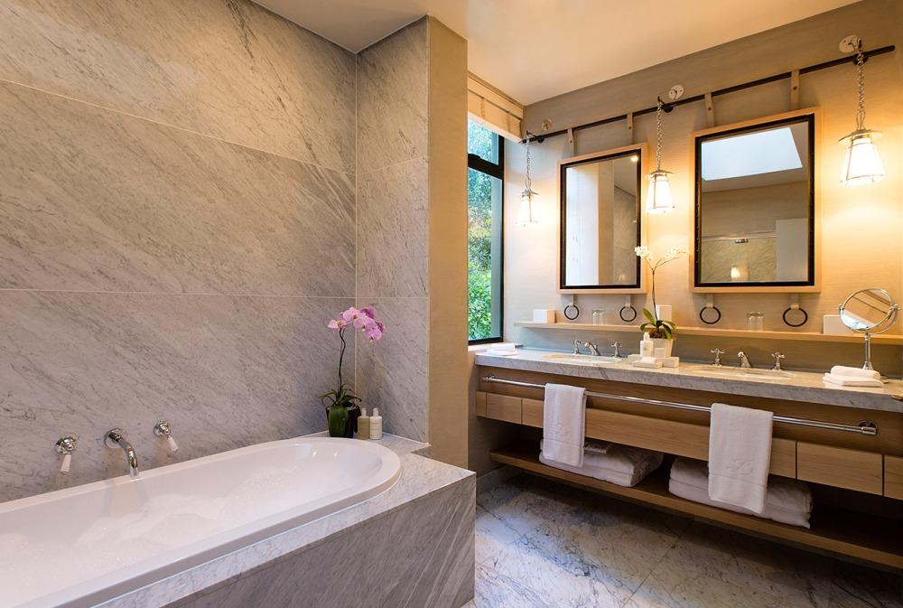 Delaire-Graff-Luxury-Lodge-Bathroom