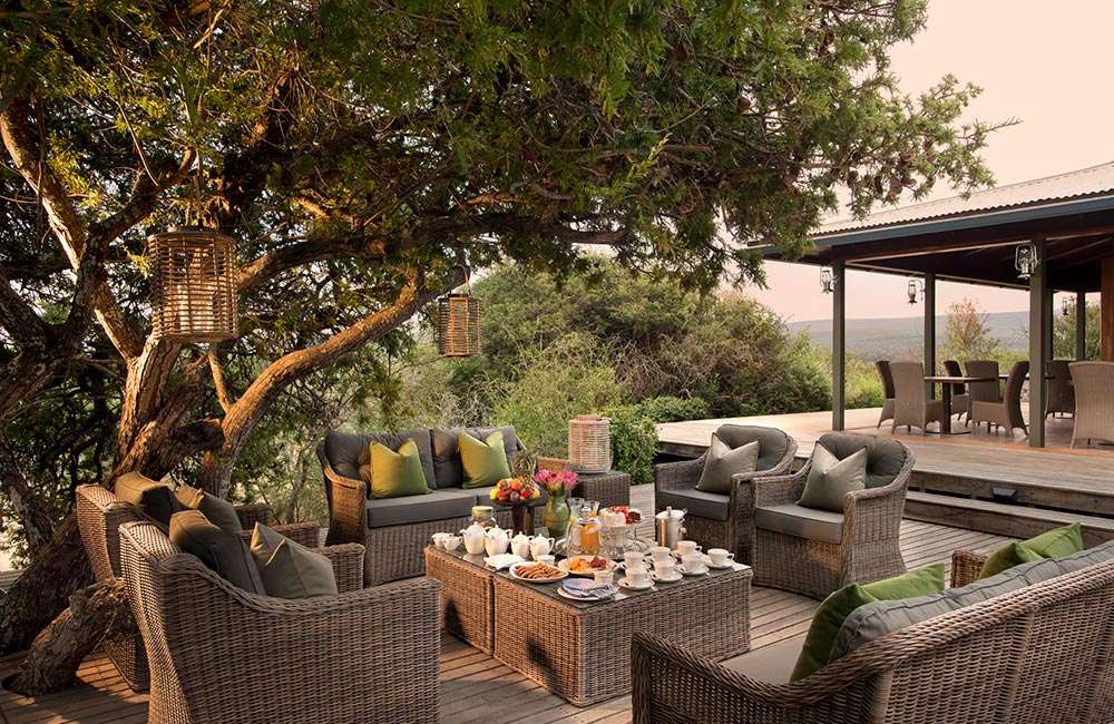 Kwandwe-Ecca-Lodge-outdoor-terrace
