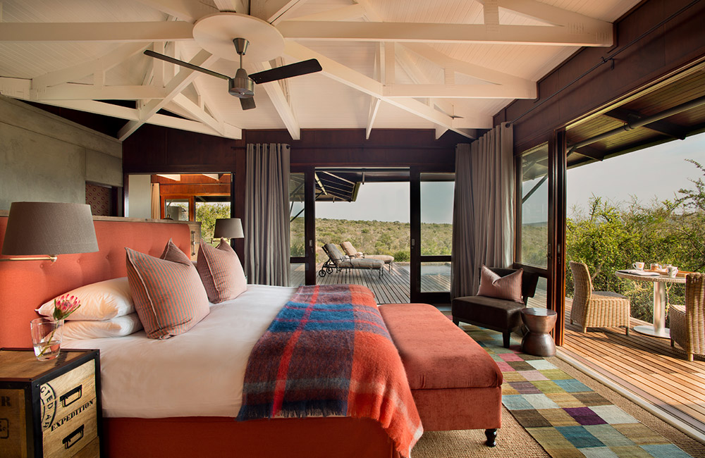 Kwandwe-Ecca-Lodge-suite-burnt-orange