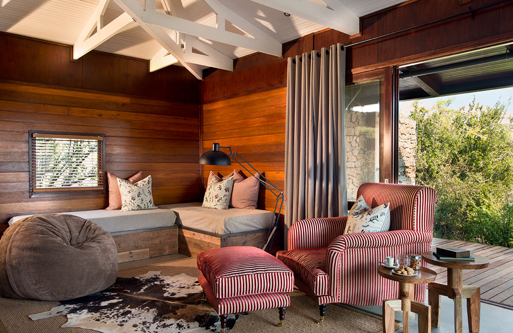 Kwandwe-Ecca-Lodge-suite-daybeds