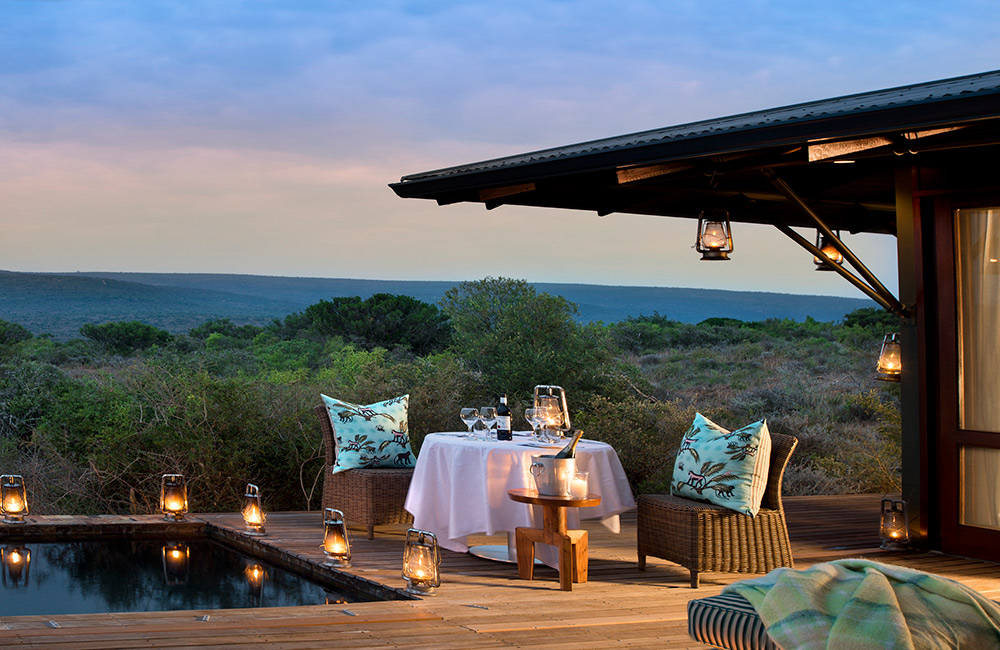 Kwandwe-Ecca-Lodge-suite-ext-eve2