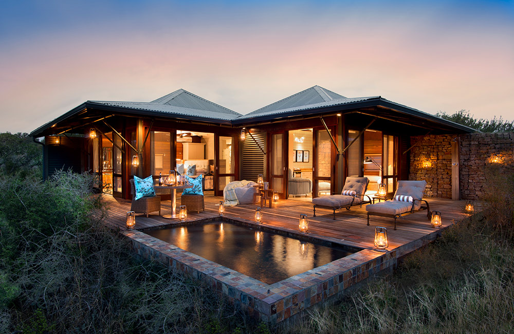 Kwandwe-Ecca-Lodge-suite-exterior-eve