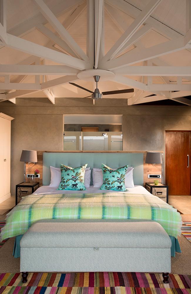 Kwandwe-Ecca-Lodge-suite-turquoise