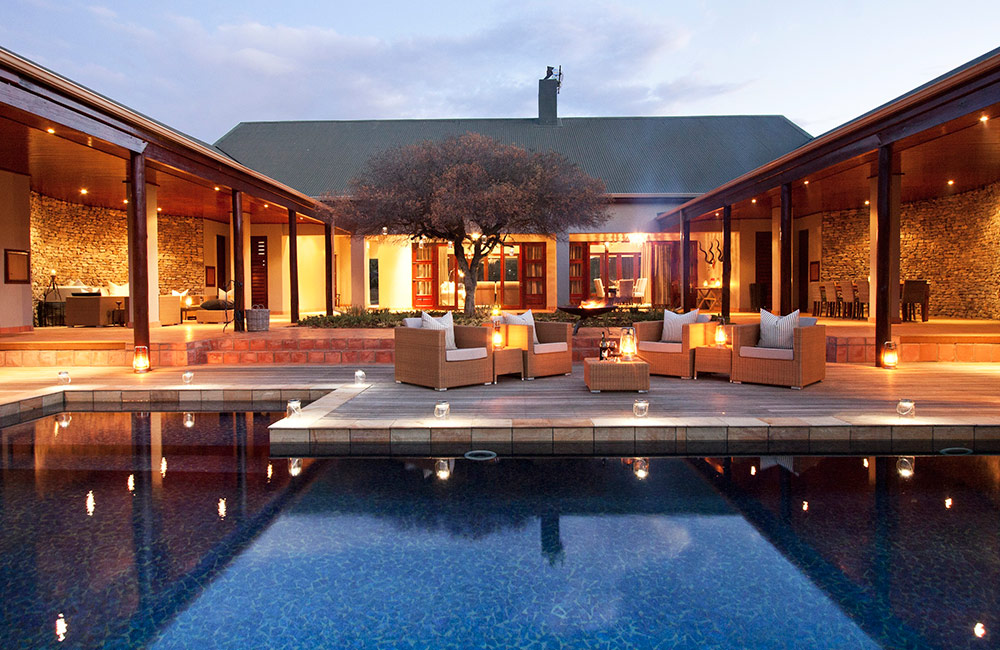 Kwandwe-Melton-courtyard-pool